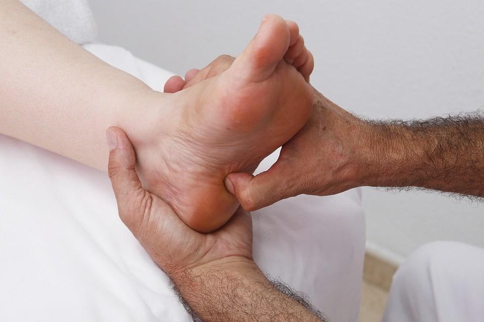 Hands doing foot zoning