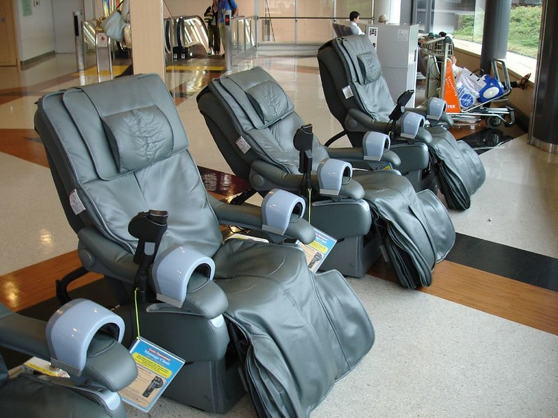 titan massage chair review: a look on its competitors